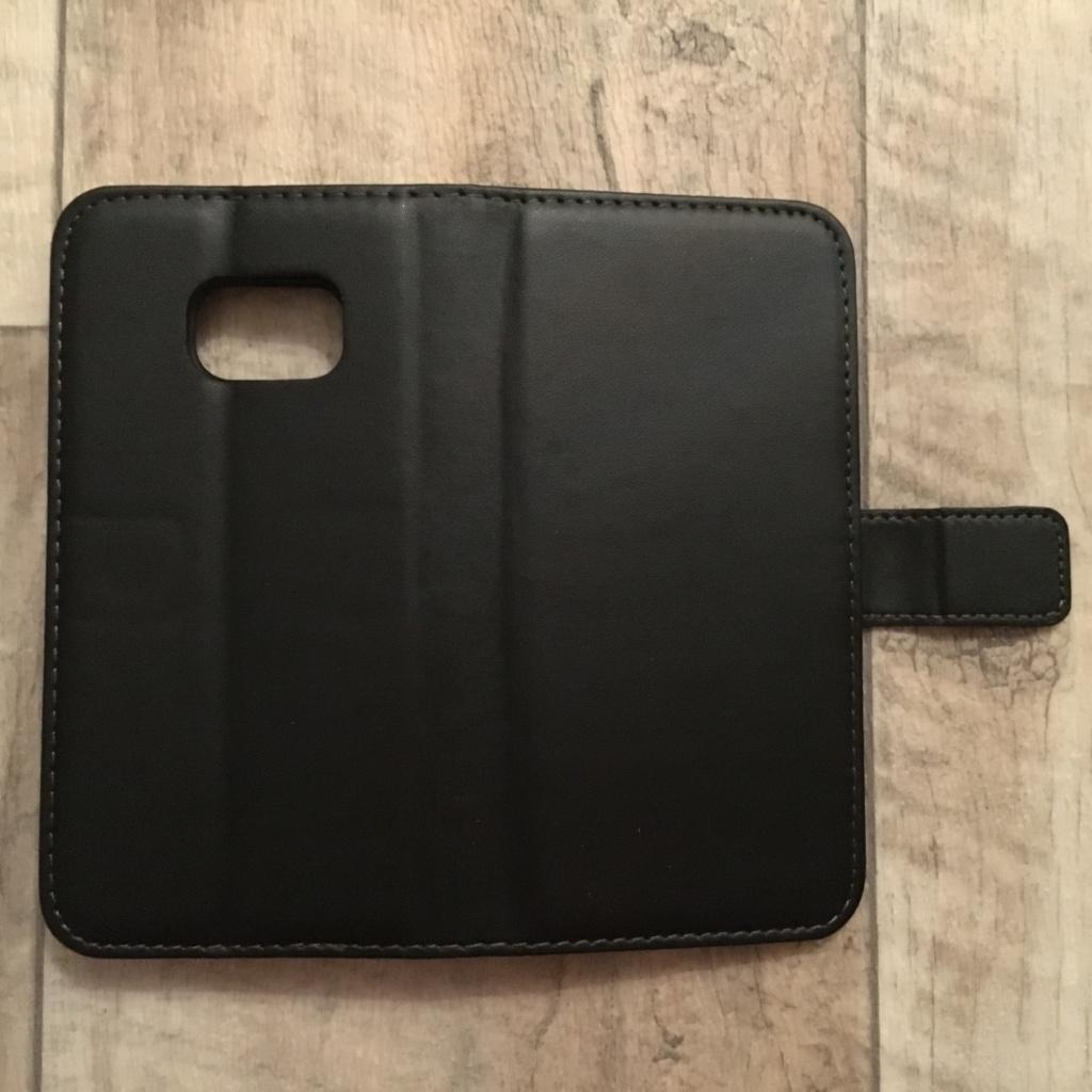Portemonnaie Design mit Stand-Funktion in SCHWARZ