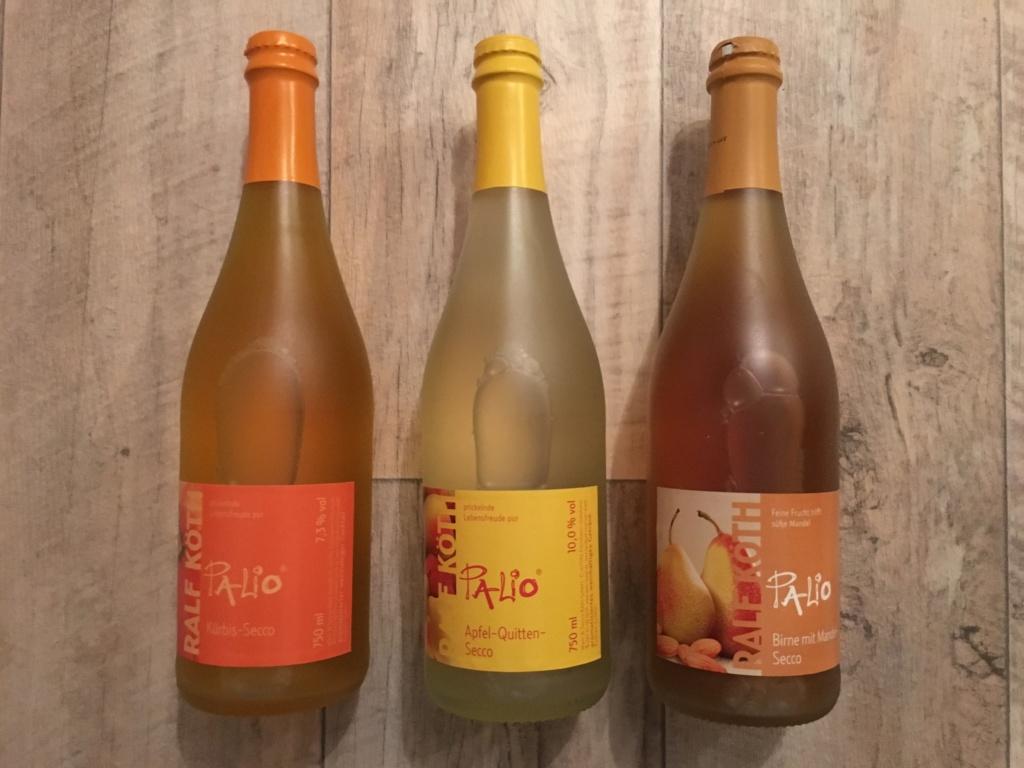 von links nach recht: Kürbis-Secco, Apfel-Quitten Secco und Birne mit Mandel Secco